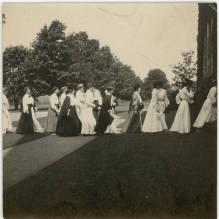 Students entering Thomas Great Hall